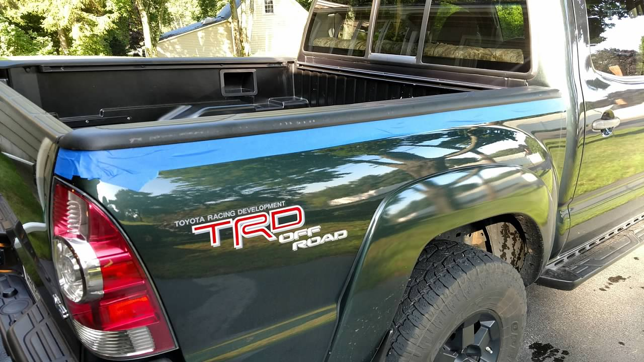 Tyger Auto T3 Tri Fold Truck Bed Tonneau Cover Tg Bc3t1030 Works With 2005 2015 Toyota